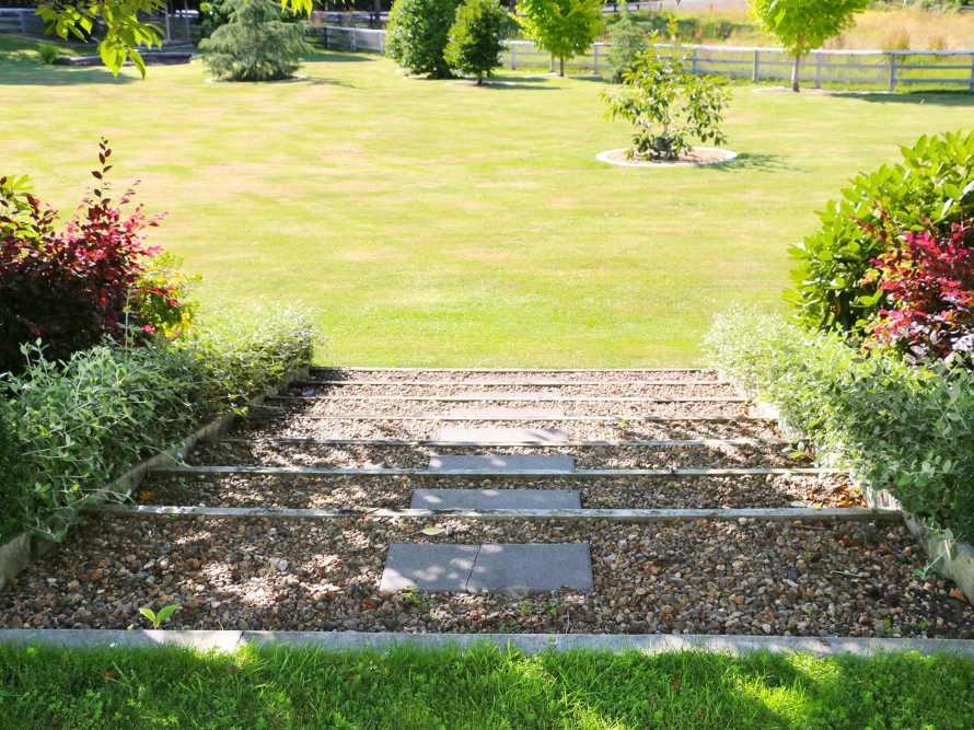 Garden-Steps-02