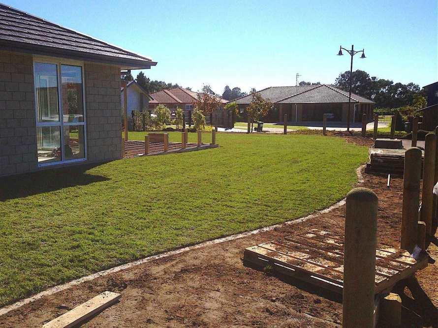 Lawn-Fertility-maintenance-Or-Restoration-01