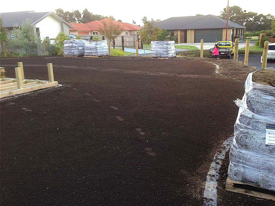 Lawn-preparation-and-new-lawns-01